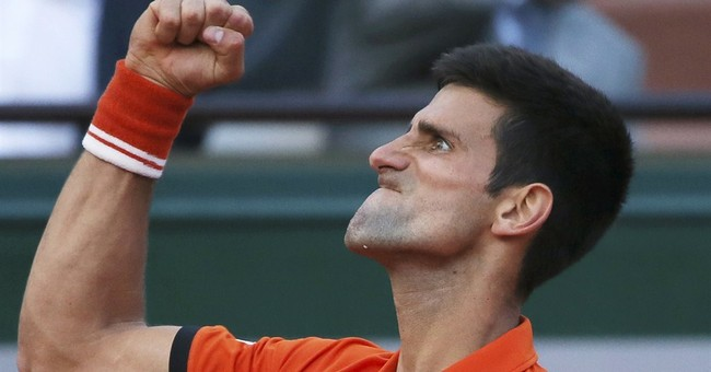 Djokovic-Murray French semi suspended; winner faces Wawrinka