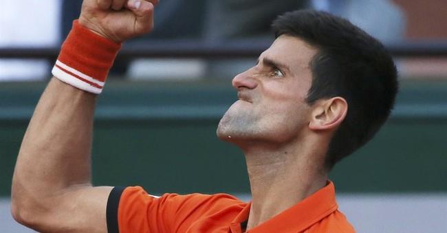 Djokovic-Murray French semi suspended; winner faces Wawrinka