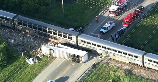 Amtrak train from Texas collides with truck outside Chicago