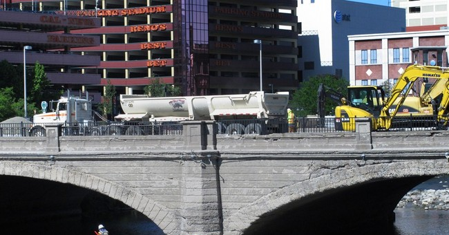 Reno bids farewell to 1905 bridge made famous by divorce