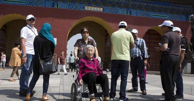 Senior travel booms in China, with Yangtze a popular spot