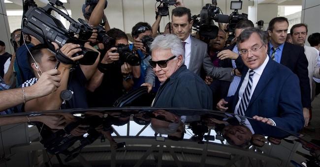 Spain ex-premier arrives in Caracas to help jailed leaders