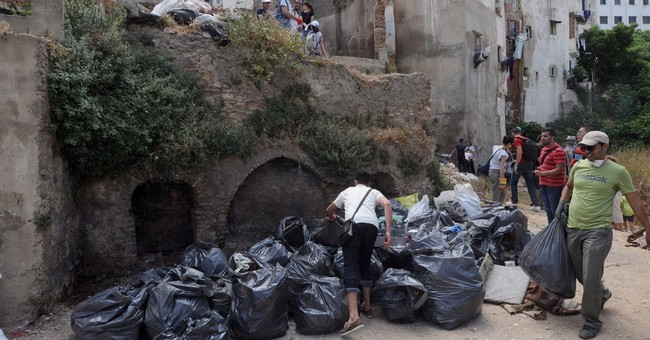 Algerians volunteer clean up historic Casbah amid neglect