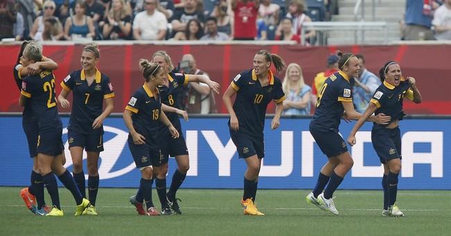 Rapinoe scores twice as US beats Australia 3-1 in opener