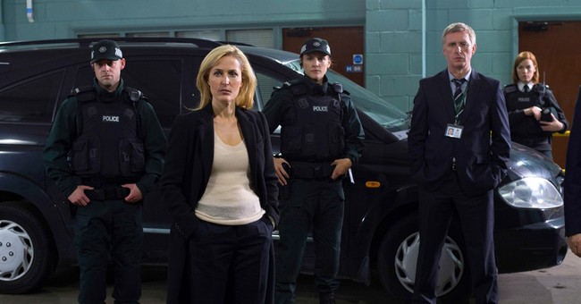 Gillian Anderson talks swimming and sleuthing on 'The Fall'
