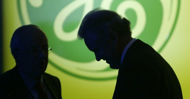 GE takes big step away from banking with $12 billion deal