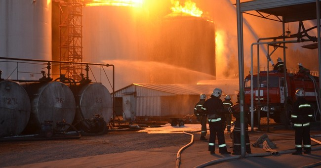 Ukraine fuel depot fire kills 1, several injured near Kiev