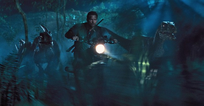 Chris Pratt evolves into leading man in 'Jurassic World'