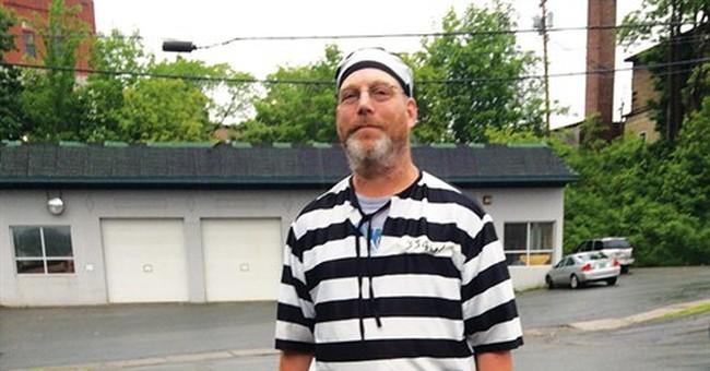Man dismissed from jury duty for wearing prisoner costume