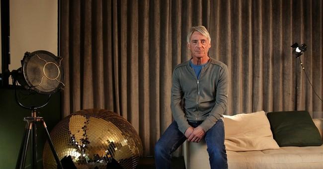 Paul Weller heads across the universe on 'Saturns Pattern'
