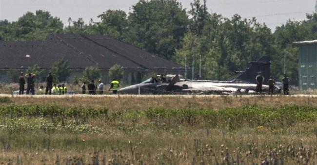 Hungary: Pilot stable after crash landing Gripen fighter jet