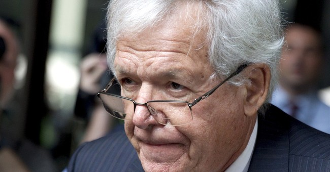 Judge who donated to Hastert to stay on hush-money case