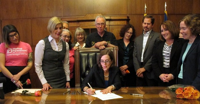 New Oregon law allows for a year of birth control at a time