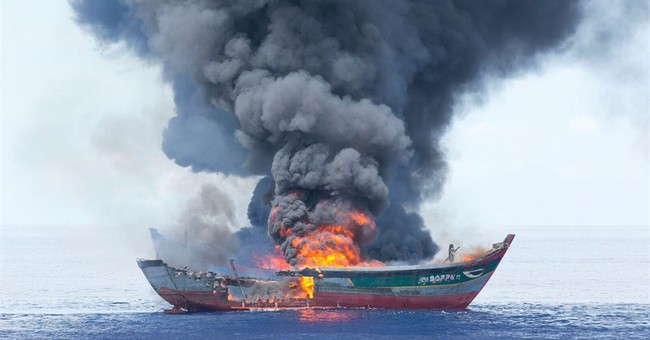 Palau burns Vietnamese boats caught fishing illegally
