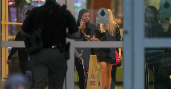 1 dead in shooting at Iowa mall; suspect in custody