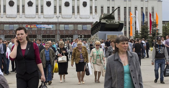 Russia steps up military modernization _ but at what cost?