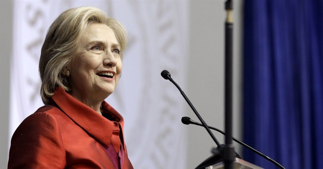 Before big speech, Clinton steps to left _ but not too far