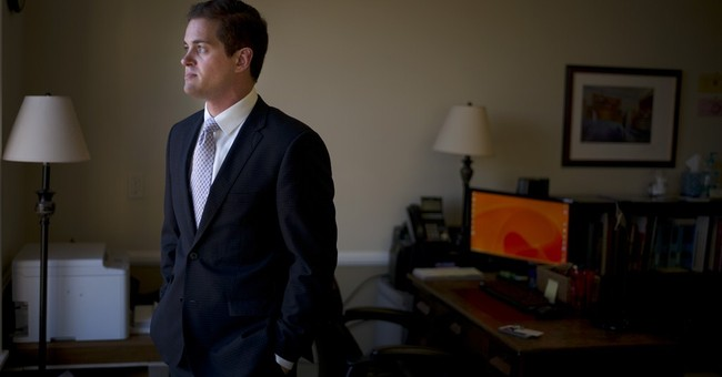 Law schools fund firms to train recent graduates