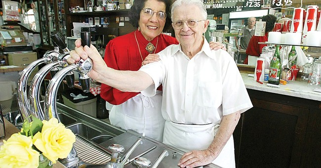 Owner of landmark Iowa soda fountain dies at 95