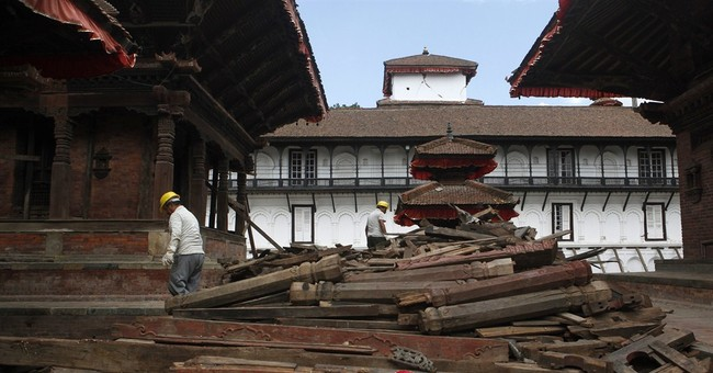 Quake-hit Nepal reopens damaged heritage sites for tourists