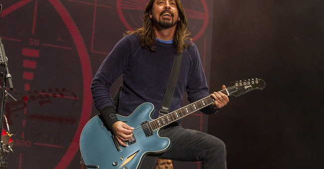 Foo Fighters cancels all European after Grohl injury