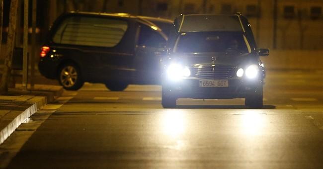 Spaniards retrieve remains of Germanwings victims taken home