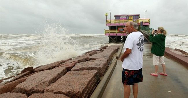 Tropical Storm Bill moves into Texas with more flood threats