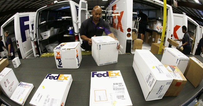 FedEx shares fall on weak quarter, disappointing outlook