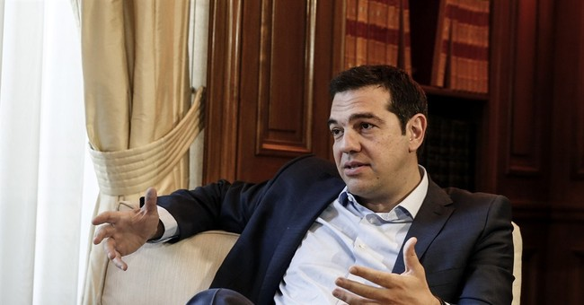Greece, creditors dig in their heels on eve of meeting