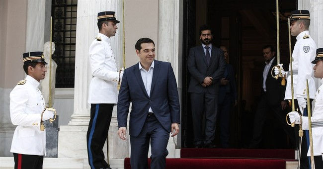 Greece, creditors dig in their heels on eve of meeting