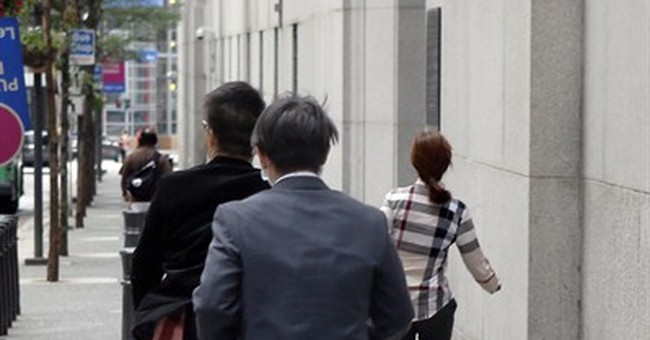 8 plead not guilty in Chinese test-taking scheme for visas