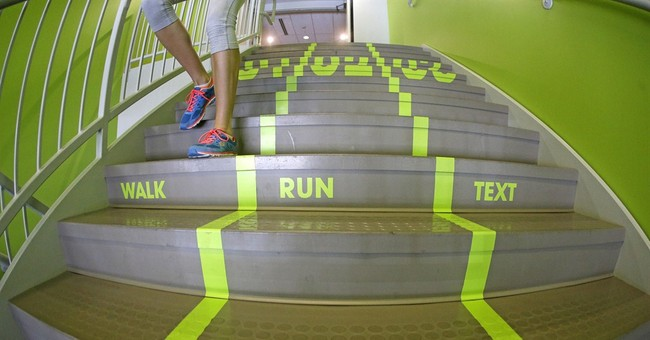 Utah school creates 'texting lane' for phone-focused walkers