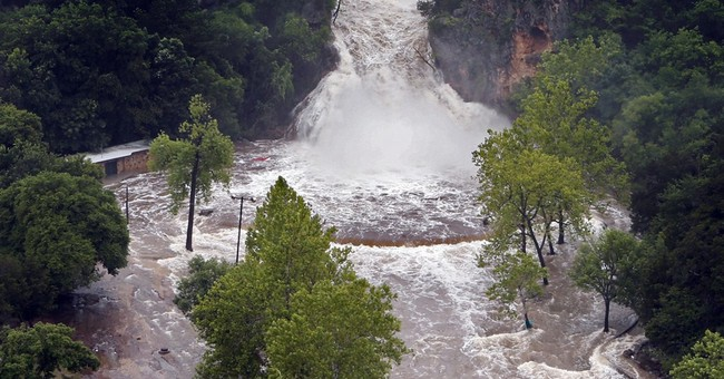 Bill's remnants flood Oklahoma along path to US midsection