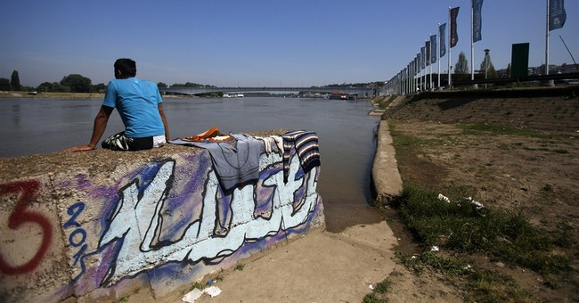 Serbia 'shocked' by Hungary's plans to build border fence