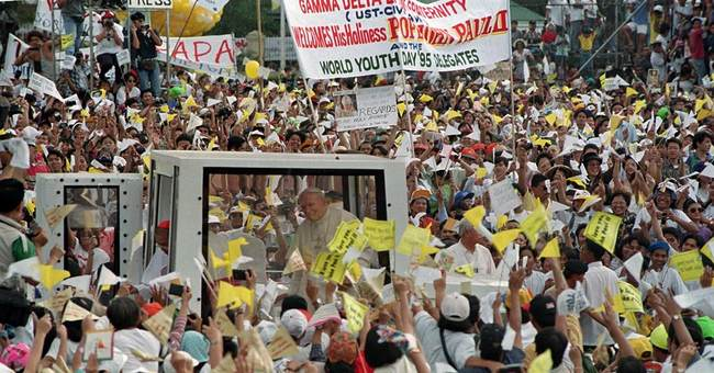 A look at biggest gatherings as pope draws record crowd