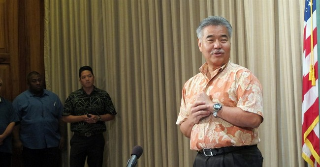 Hawaii governor signs first-of-kind state smoking age bill