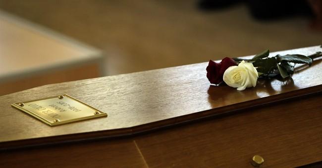 Spain: Tears in Barcelona at funeral for Germanwings victim