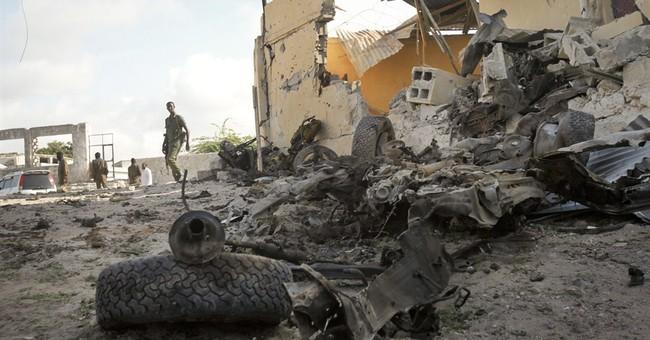 Somalia soldier, 4 militants killed in training site attack