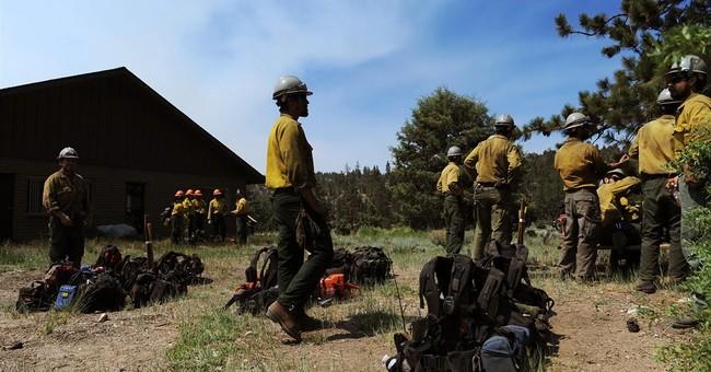 Hundreds of firefighters join battle against fire near Tahoe