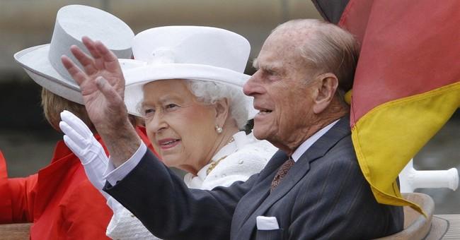 Queen Elizabeth II meets Merkel, gets grand Berlin boat tour