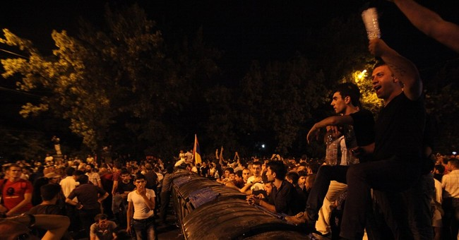 Armenian protesters block road for 3rd day over energy hikes