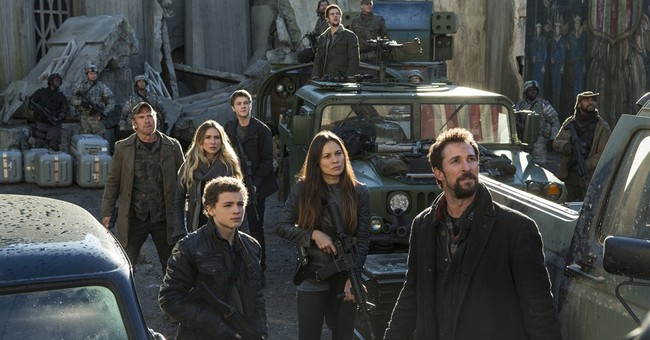 Wyle talks aliens, animals as end of 'Falling Skies' nears