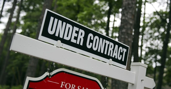 Average US rate on 30-year mortgage edges up to 4.02 pct.