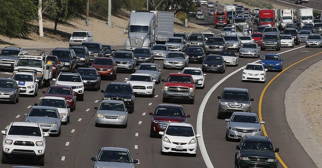 Stronger economy, cheap gas expected to spur holiday travel