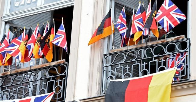 Queen Elizabeth II heads to Frankfurt on Germany state visit