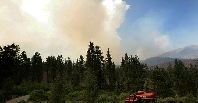 Western wildfires: Southern California fire roars to life