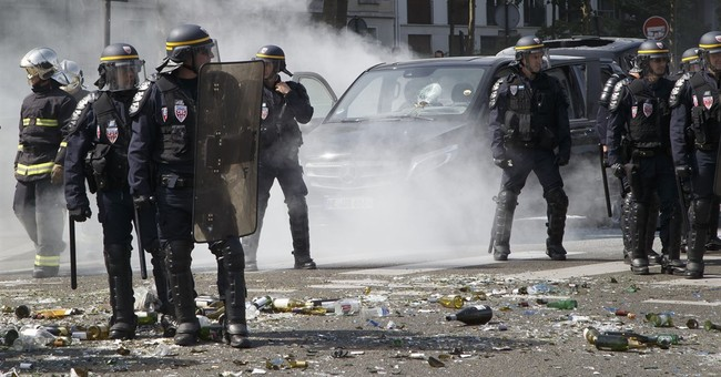 French president rails against Uber amid taxi tensions