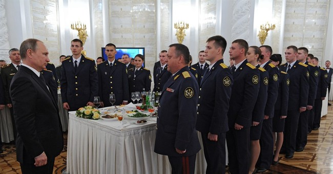 Putin vows to further strengthen Russian military