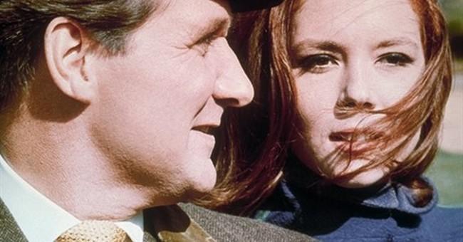 Patrick Macnee, star of 1960s TV series 'The Avengers,' dies