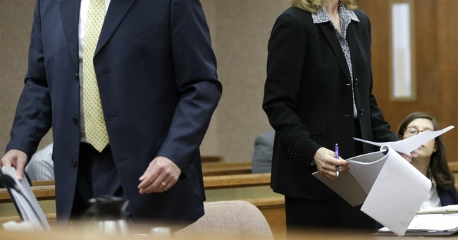Judge blocks Kansas' ban on 2nd-trimester abortion procedure